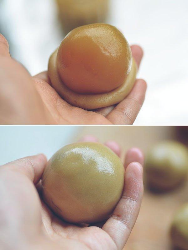 Cách làm bánh trung thu nhân trứng muối đậu xanh